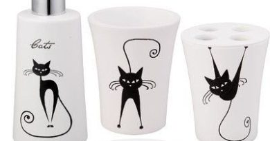 Black and White Cat Accessories to Brighten Up Your Bathroom